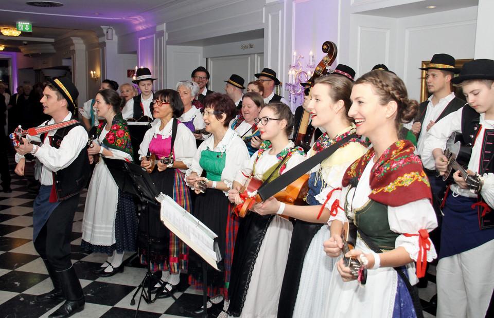 Poljanci su pozdravili brojne goste 72. Hrvatskoga bala u bečkom Parkhotelu Schönbrunn